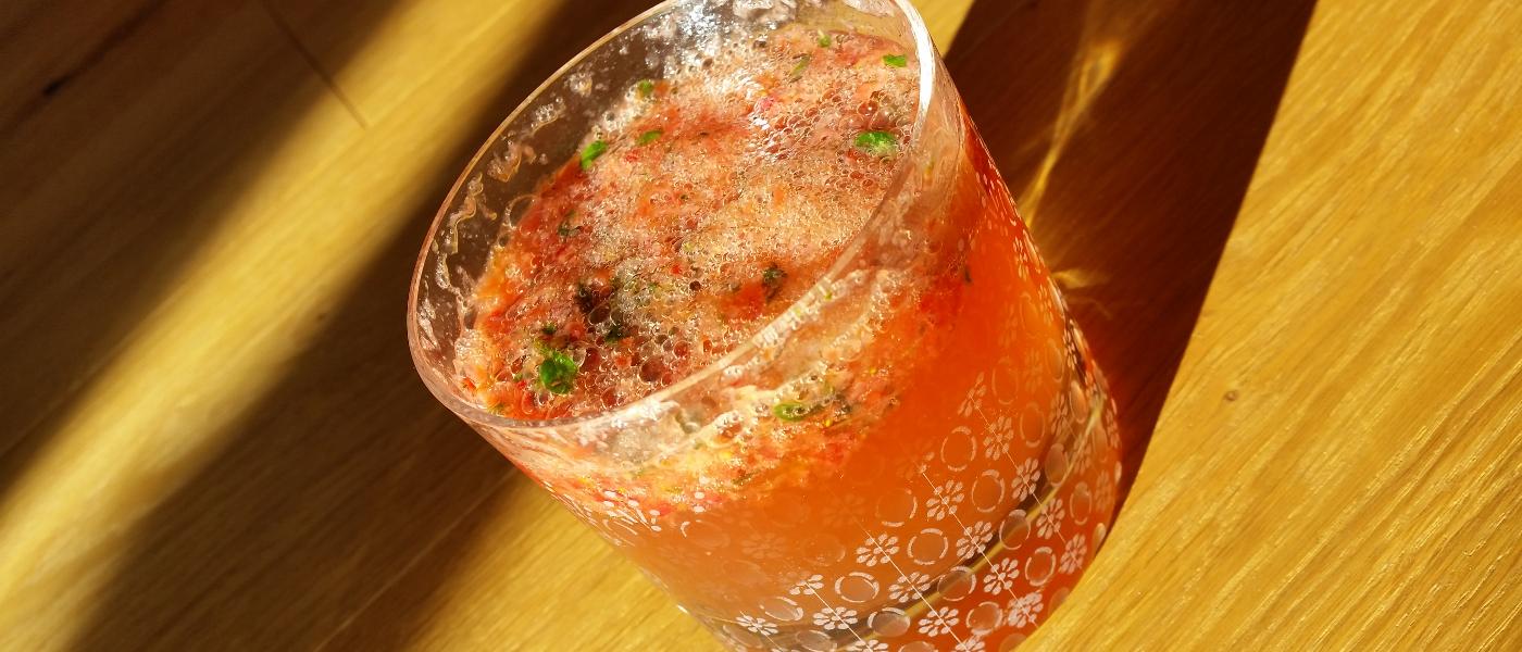 Longdrink: Berries + Basil + LIMESTONE Gin = Mhhh!