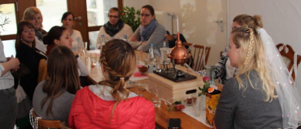 BRENNLUST | Gin-Workshop / Brennnachmittag anlässlich eines Junggesellinenabeschieds