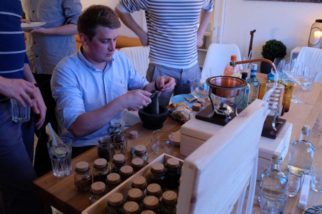 BRENNLUST   Gin-Workshop / Brennabend anlässlich eines 30. Geburtstags