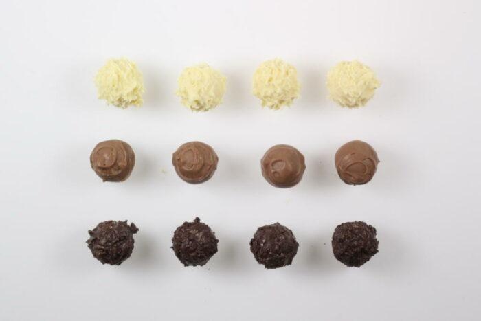 12 Stück Brennlust Trüffel mit Destillaten: Zartbitter, Vollmilch und Weiße Schokolade