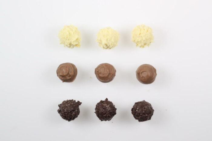 9 Stück Brennlust Trüffel mit Destillaten: Zartbitter, Vollmilch und Weiße Schokolade