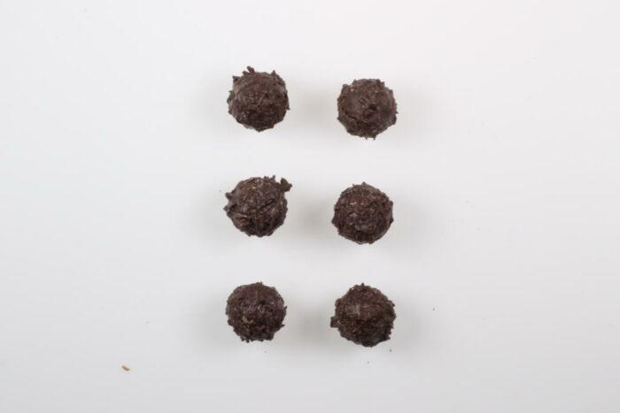 6 Stück Brennlust Trüffel mit Destillaten: Zartbitter Schokolade gefüllt mit Orangen Likör