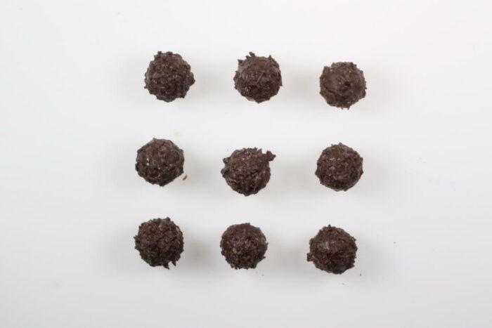 9 Stück Brennlust Trüffel mit Destillaten: Zartbitter Schokolade gefüllt mit Orangen Likör
